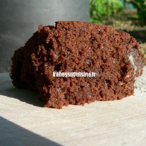 Cake au chocolat et aux dattes