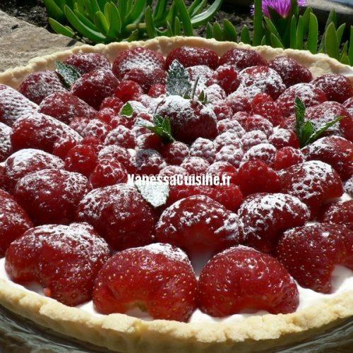 Tarte aux fraises et aux framboises, crème vanillée au mascarpone