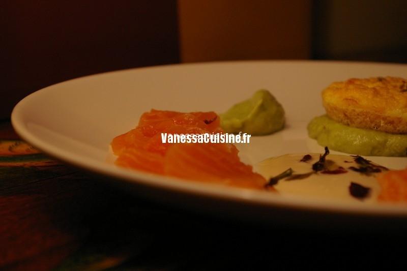 Petits gâteaux de saumon, sashimi, purée d'avocat au Panch Phoron, Laurence Salomon