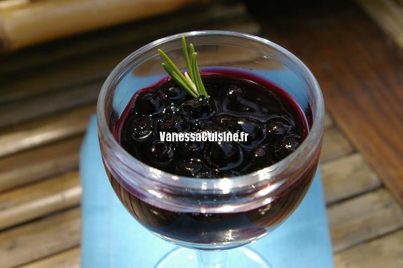 myrtilles en soupe de vin rouge au romarin