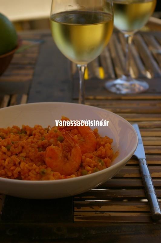 riz en paëlla rouge et gambas