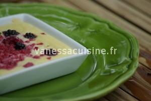 moelleux à la brousse et aux fruits rouges