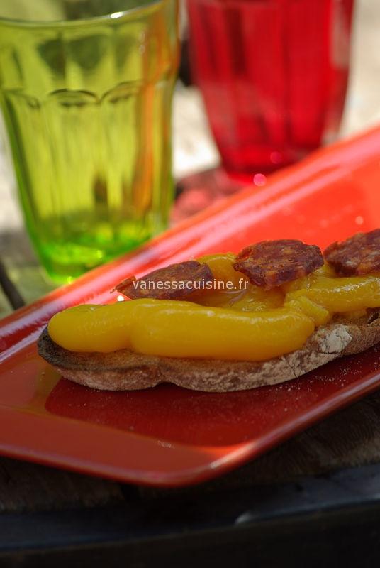 Tartine de poivrons grillés et chorizo