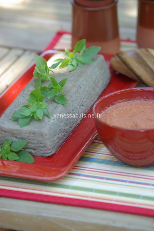 papeton d'aubergine, sauce crue