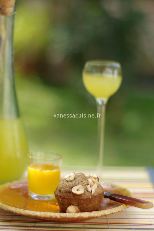 Moelleux à la noisette et à la farine de châtaigne, miel d'orange en coulis