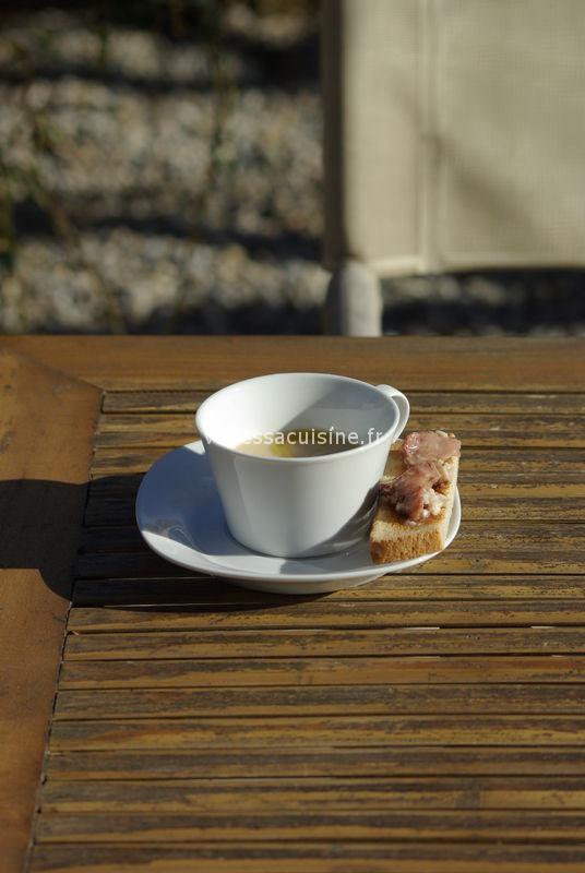 Déjeuner de filles, crème de haricots à la moelle, risotto de St Jacques
