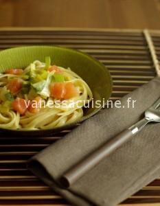 Linguine gentiment au curry, poireau et saumon cru