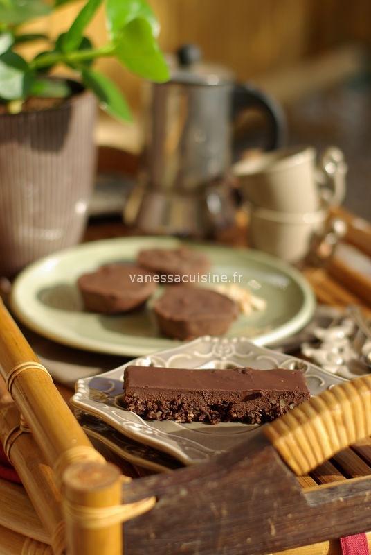 Tarte doublement chocolatée, pâte crue et 30 recettes de cuisine bio