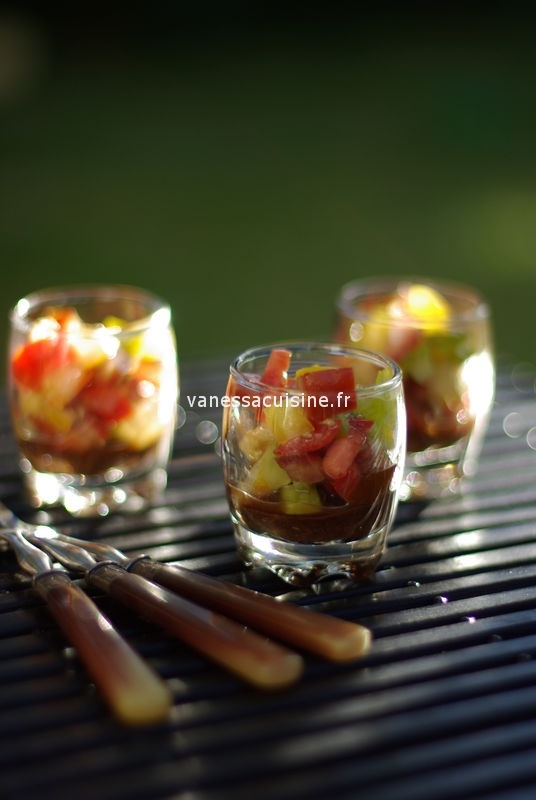 Tartare de trois tomates, gelée de tapenade