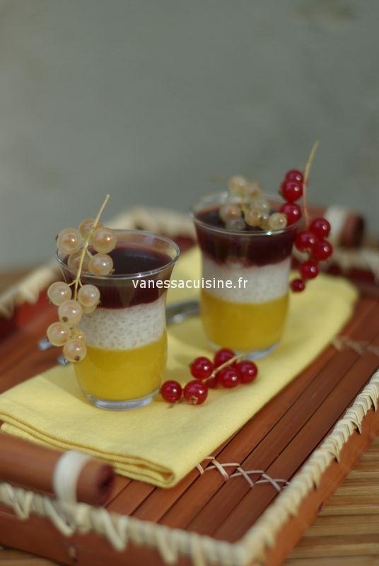 Verrine d'ananas au tapioca et gelée de fraise