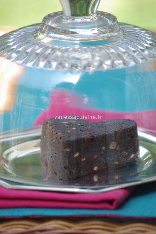 Petits coeurs xtra moelleux au chocolat noir, pâte de sésame noir et aux pépites de chocolat blanc