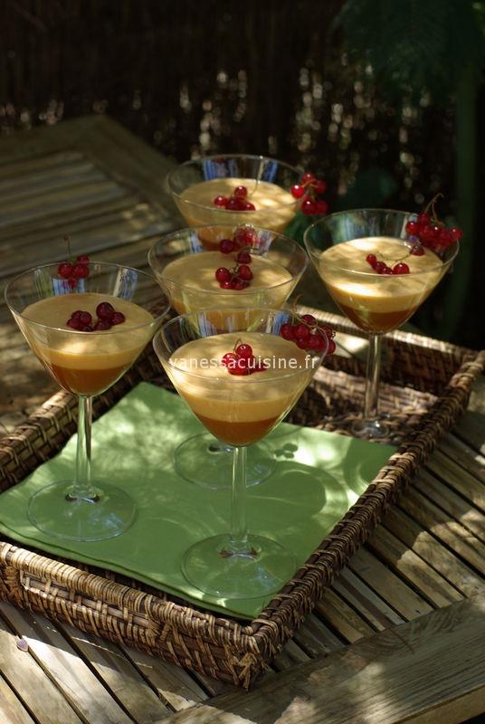Coupes à la gelée d'abricot et crème anglaise à l'abricot
