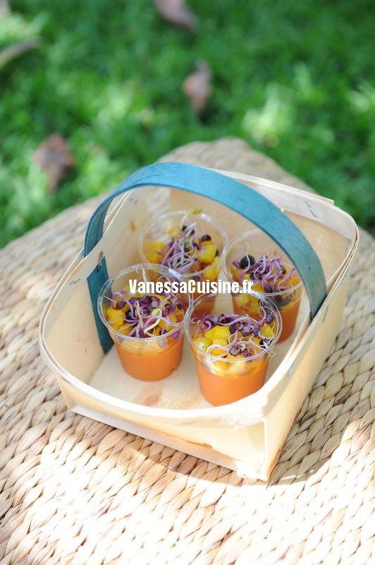 verrine de gaspacho, tartare de tomates et poivrons jaunes