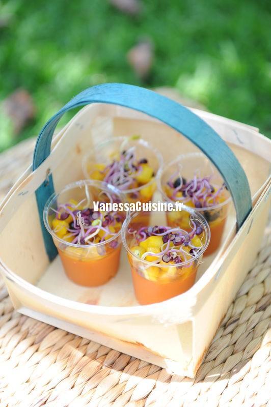verrine gaspacho, tomate et poivron jaunes en tartare