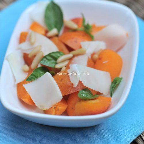 Salade d'abricots et Gouda de chèvre, pignons