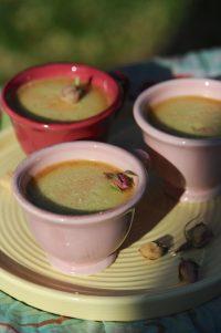 photo culinaire de crèmes à la rose