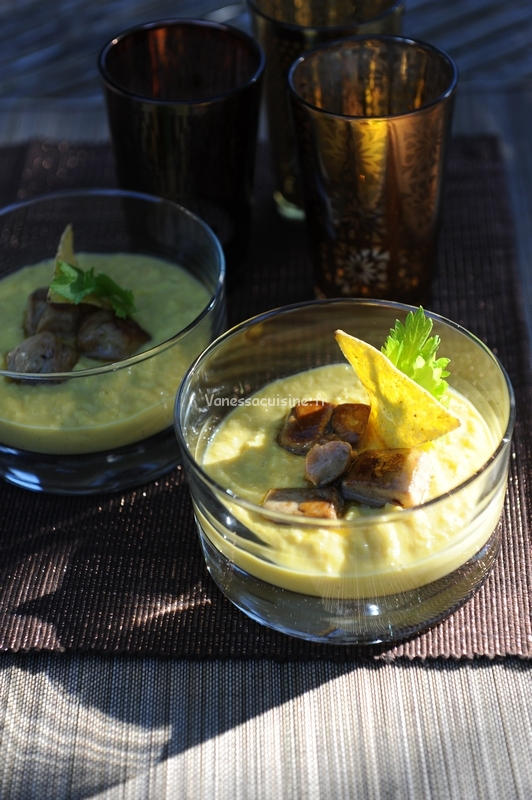 Crème de maïs aux dés de foie gras poêlés