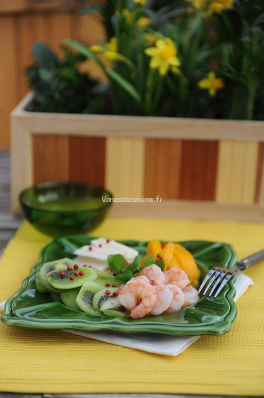 recette d'une assiette mangue, kiwi, crevettes et coeur de palmier