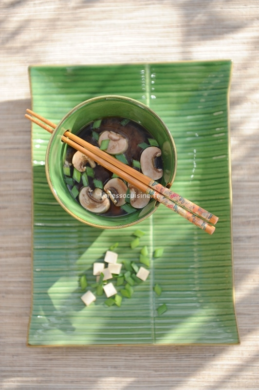 Bouillon miso au tofu soyeux