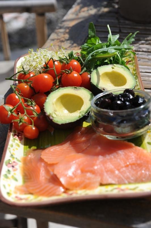 What's for lunch today ? Saumon, avocats et céramique de Vallauris