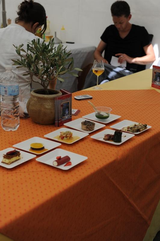 La fête de la gastronomie à Châteauneuf-le-rouge