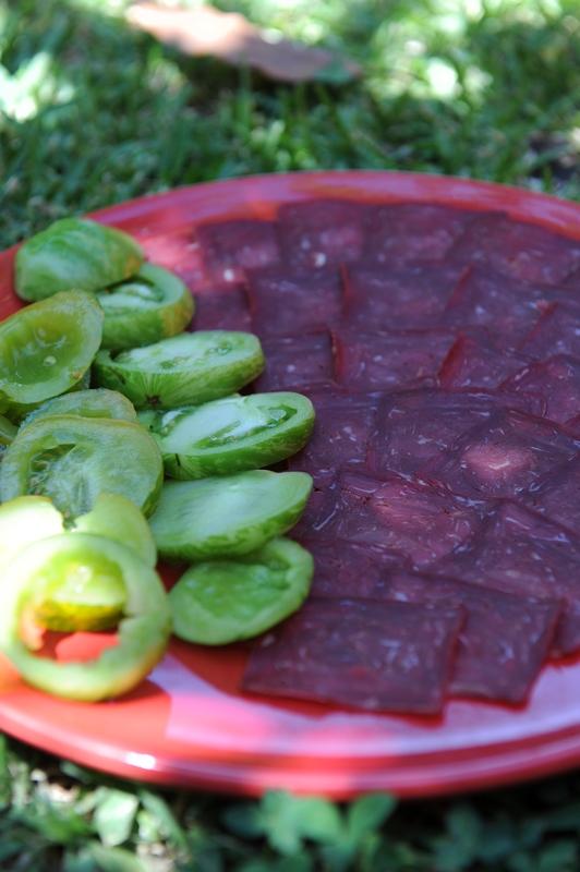 Carpaccio de viande séchée suisse et tomates green zebra