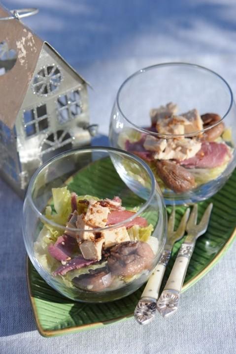 Verrine de chou frisé, au magret fumé et foie gras