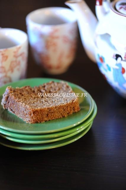 Gâteau au yaourt au sarrasin et noisettes