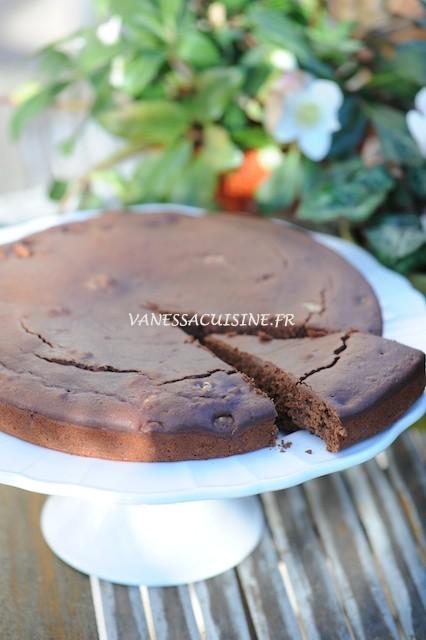 Gâteau au chocolat, à la brousse de brebis et aux noix (sans gluten)