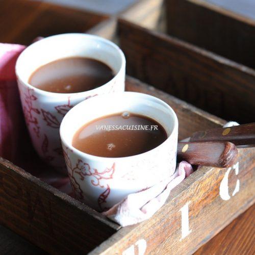 Chocolat chaud au lait des Alpes