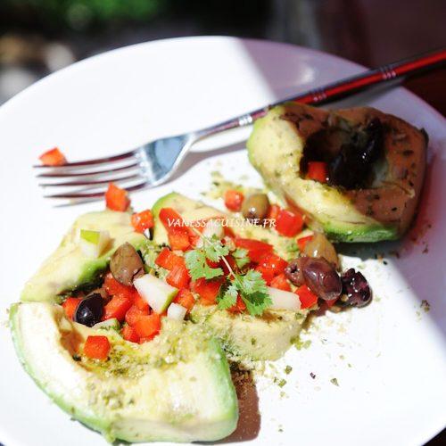 Avocat et olives taggiasche