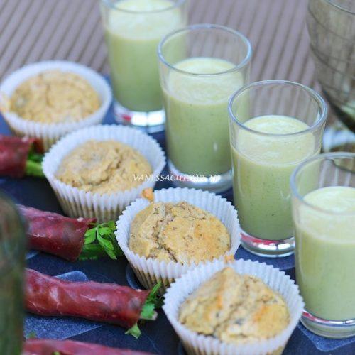 """L'apéritif du jardin : lait d'amande au basilic, muffins aux fleurs et aux graines et """"nems"""" de Bresaola aux herbes"""