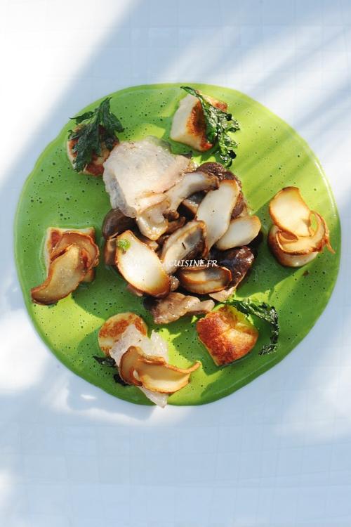 Gnocchi de chèvre frais, cèpes, crème d'herbes et lard de Colonnata