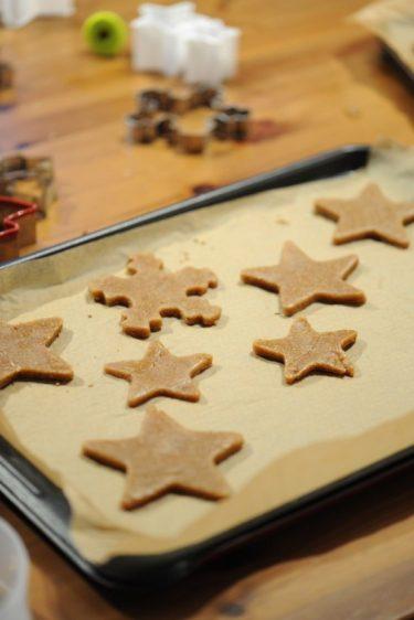 recette des étoiles à la cannelle et épices de Noël