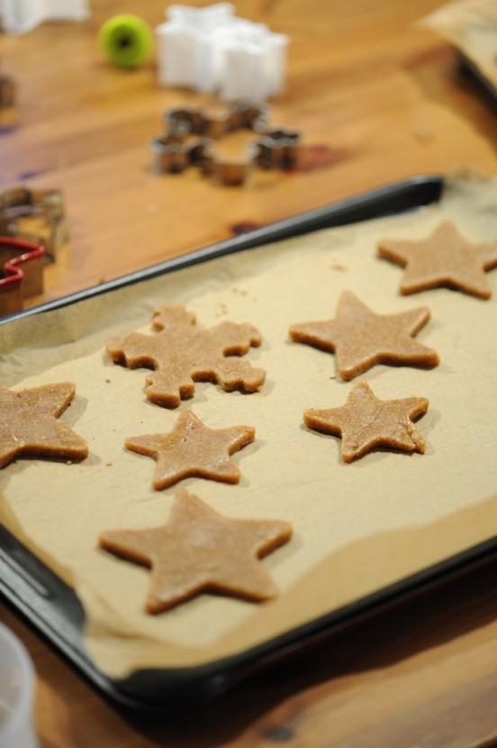 recette des étoiles à la cannelle et épices du pain d'épices