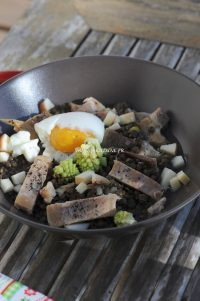 Salade-de-Beluga-maquereau-fumé-et-oeuf-mollet-Beluga-lentils-salad-with-smoked-mackerel-and-soft-boiled-egg-Vanessa-Romano-photographe-et-styliste-culinaire.jpg
