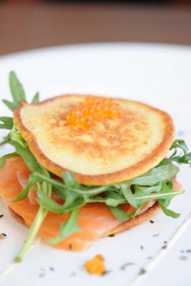 recette de pancake au pomme de terre et au saumon