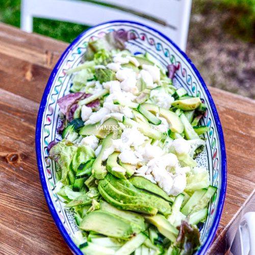 Salade thaïe de concombre et avocat au crabe