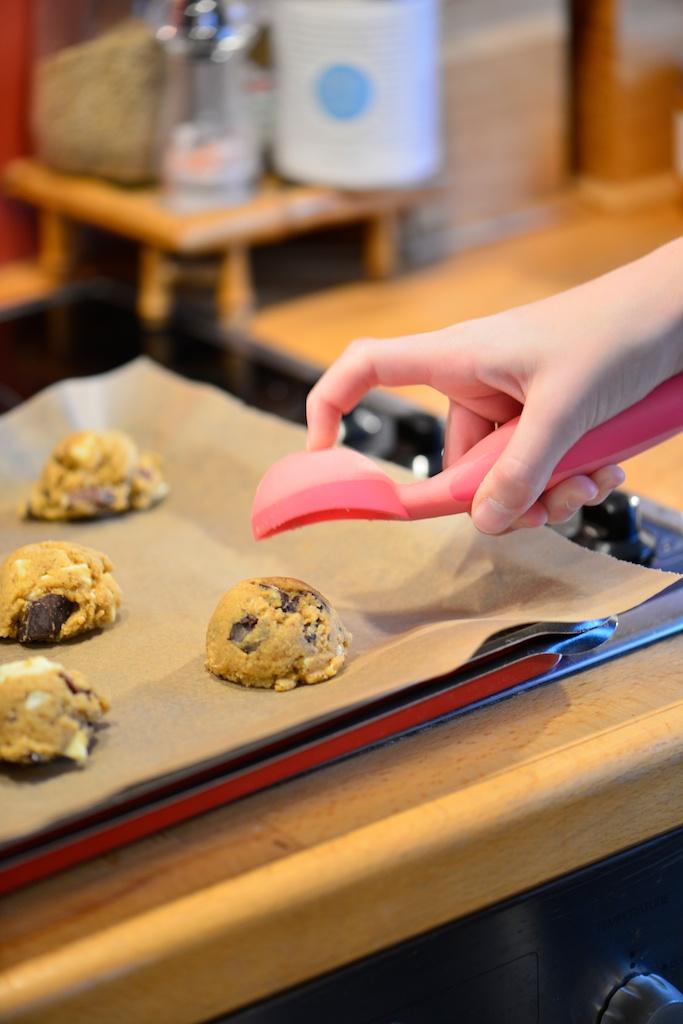 déposer la pâte à cookie sur la plaque de cuisson