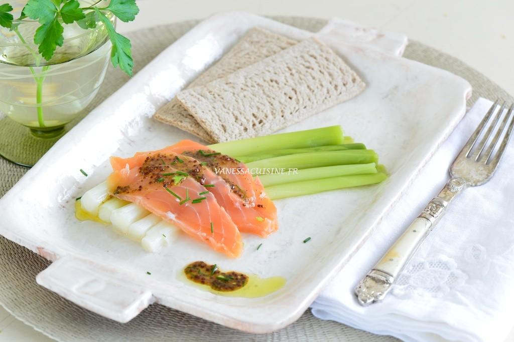 Poireaux baguettes, saumon en gravlaax