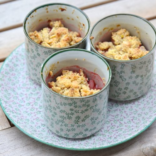 recette de crumble fraise et rhubarbe sans gluten