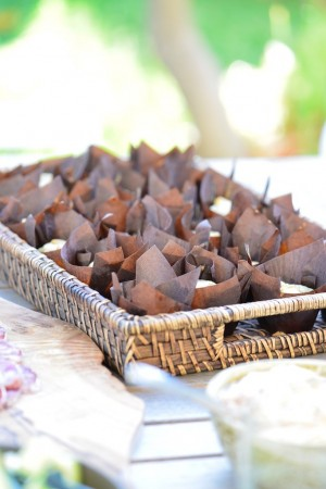 Plateau de mini cakes aux asperges et chèvre frais sans gluten