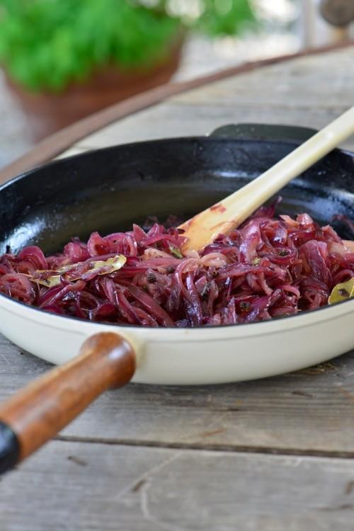 Confit d'oignon rouge au vinaigre balsamique et poivre de Timut