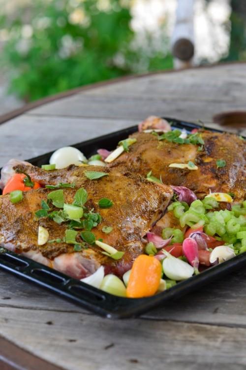 Epaule d'agneau confite au four et légumes d'été