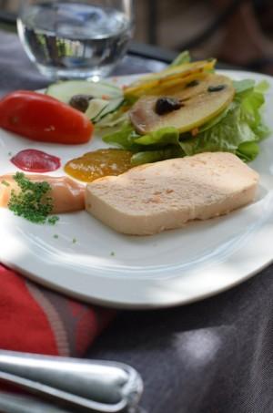 Soupe de fruits et sorbet artisanal à la framboise