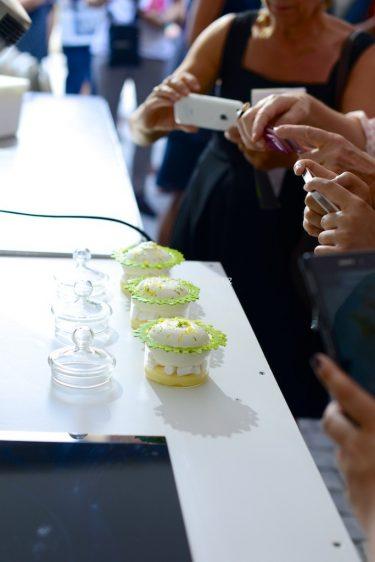 démonstration de tarte au citron déstructurée