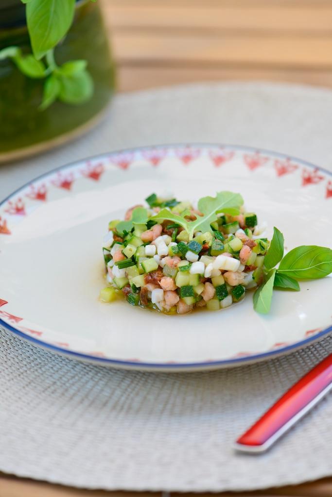 recette de salpicon d'encornets, crevettes grises, courgettes et tomates