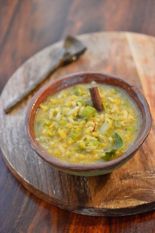 Soupe épicée aux lentilles corail et au riz