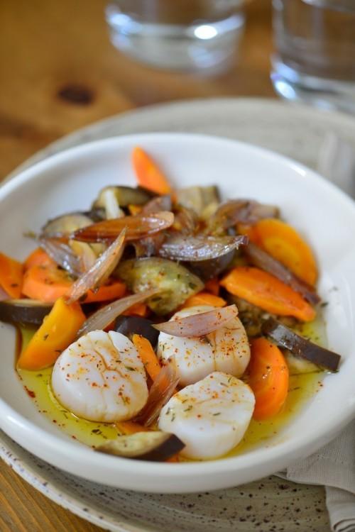 recette de Saint-Jacques aux aubergines et aux carottes, sauce Marion