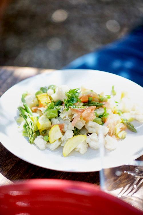 Salade de légumes vapeur et truite fumée du Verdon